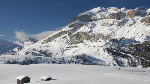 Image: winter trekking and snowshoeing